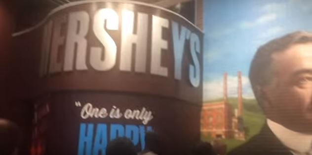 Hershey's sign